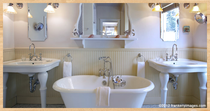 Claw footed tub inside Fly Fisherman's Cottage at Nick's Cove